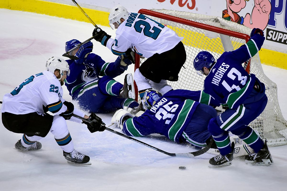 the latest d2b10 0ea76 Vancouver Canucks Pacific Division Rival Preview: San Jose ...