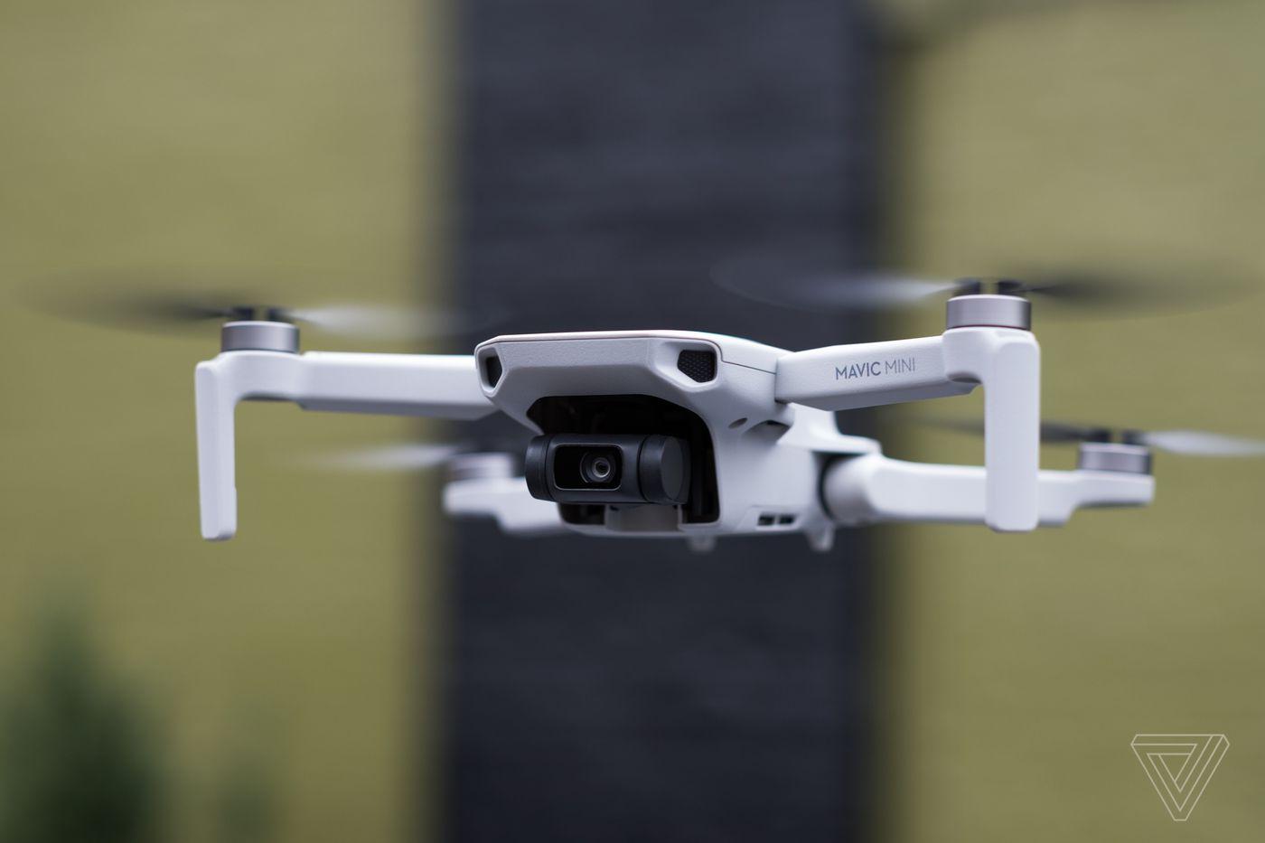 Dji Mavic Mini Announced A 399 Ultra Light Drone That Doesn T Need Faa Registration The Verge