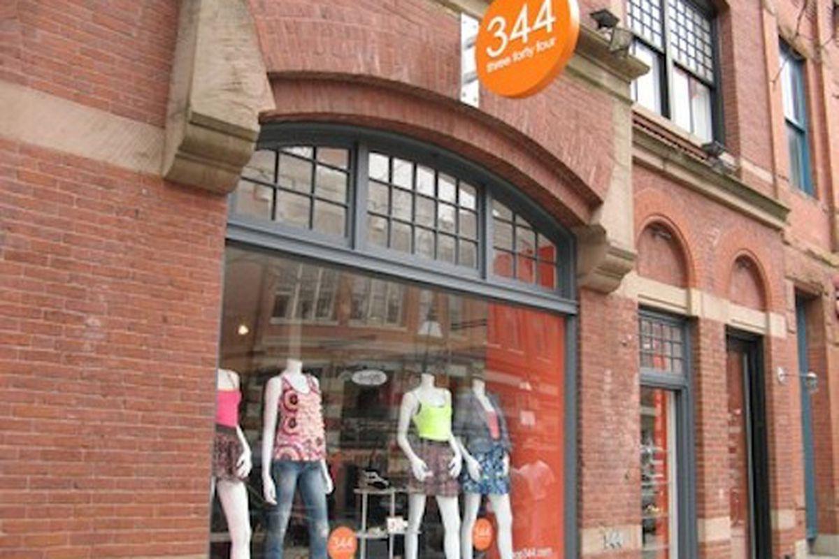 "Image via <a href=""http://www.newbury-st.com/Boston/b3017/Shop_344"">Newbury Street</a>"