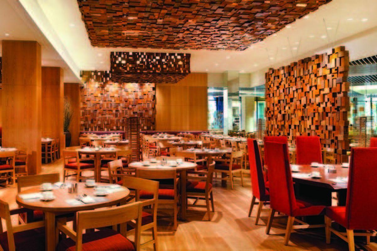 Bacchanal Buffet wood room.