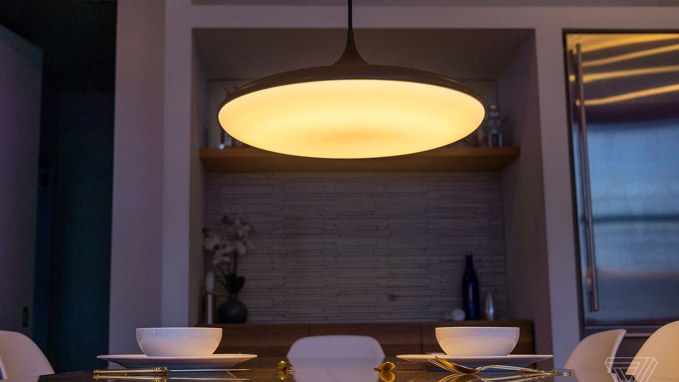 Philips announces new hue pendant light the verge arubaitofo Choice Image
