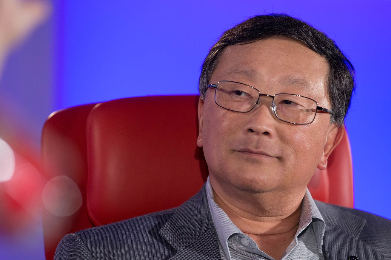 blackberry will keep john chen as ceo through 2023