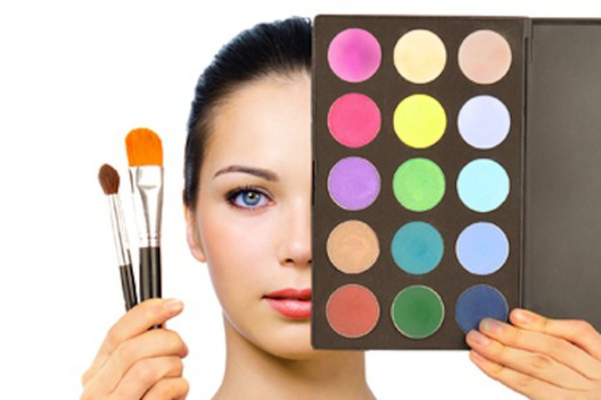 """Image via <a href=""""http://www.totalbeauty.com/content/gallery/makeup-school"""">Total Beauty</a>"""
