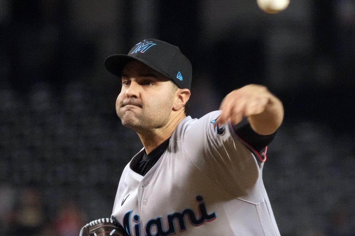 Miami Marlins relief pitcher Richard Bleier (35) pitches against the Arizona Diamondbacks during the eighth inning at Chase Field