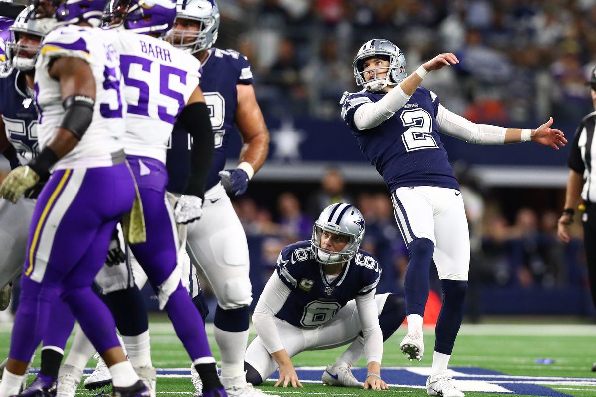 Dallas Cowboys kicker Brett Maher misses a field goal in the first quarter against the Minnesota Vikings at AT&T Stadium.