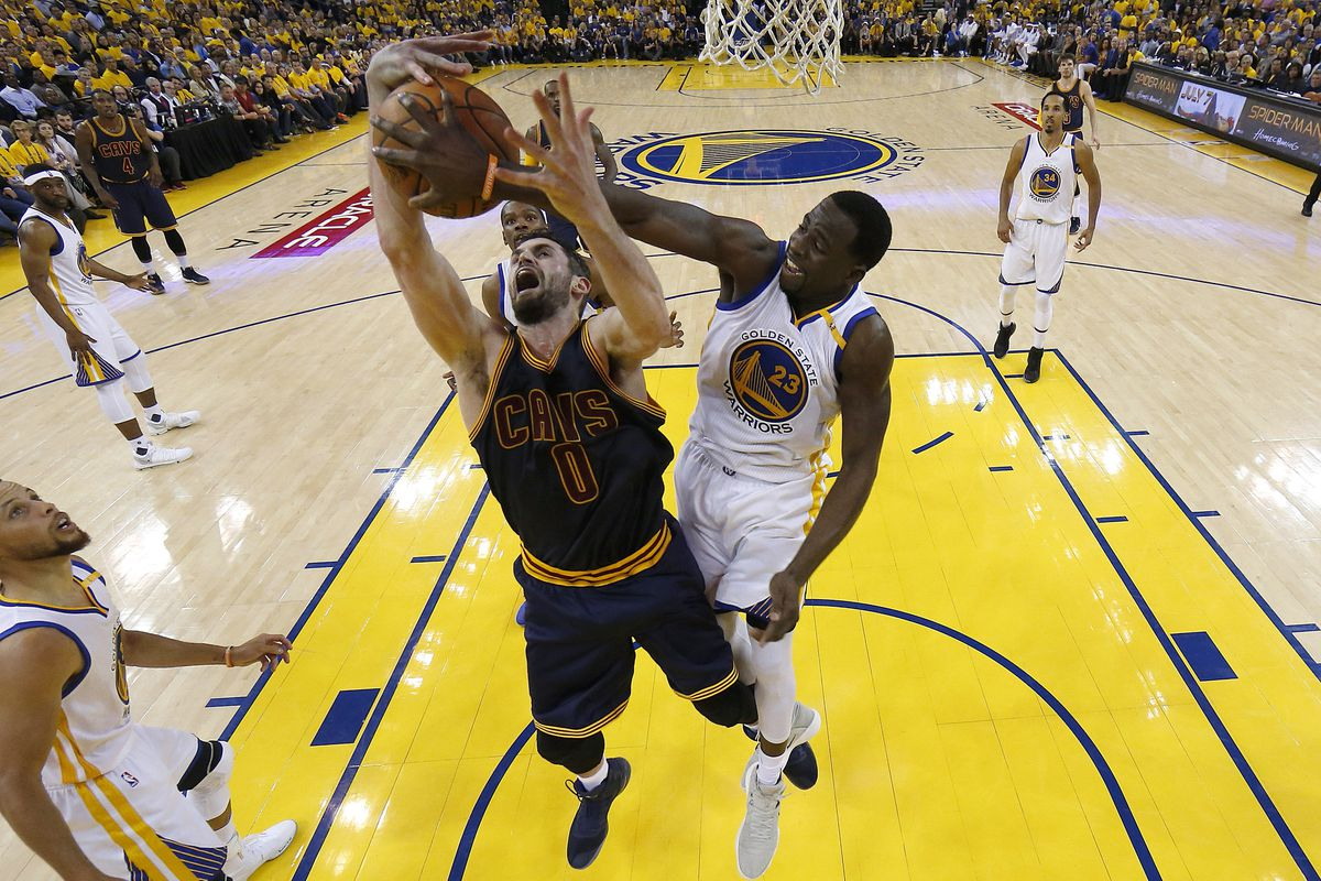 Warriors top Cavaliers to take 2-0 series lead in NBA Finals