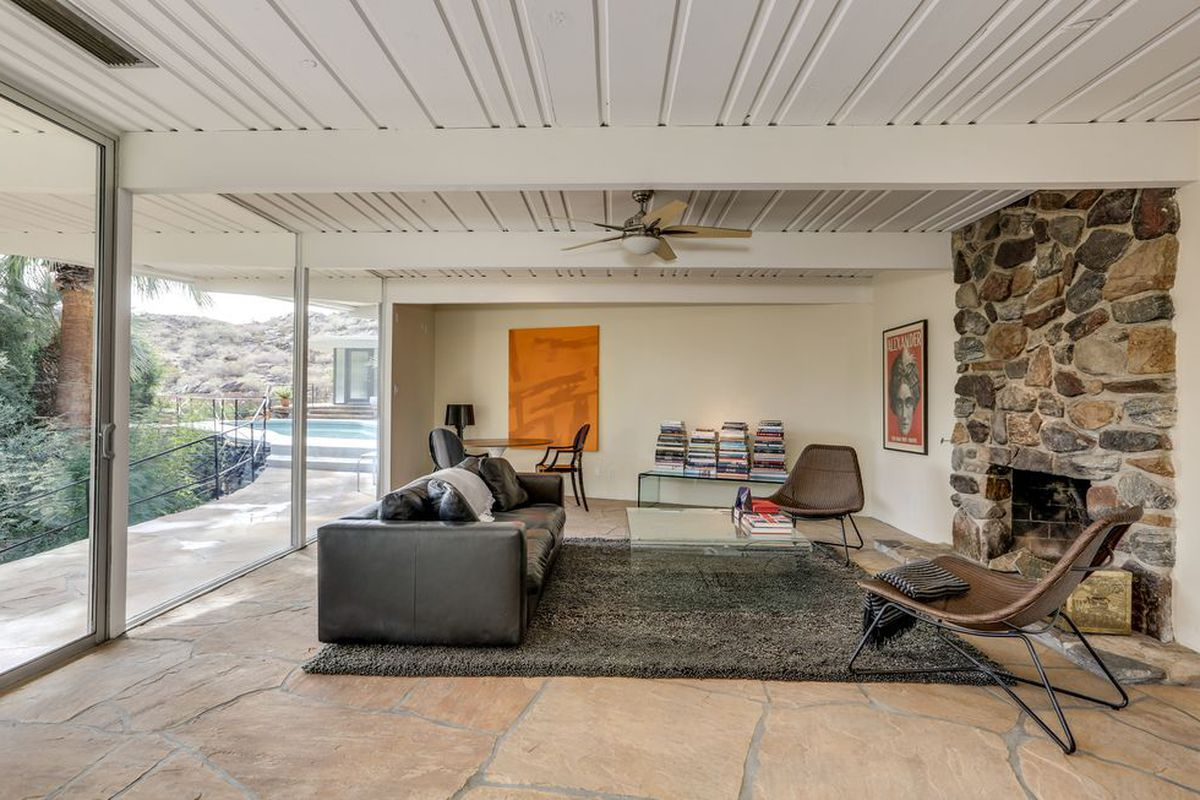 6 striking palm springs homes for sale right now curbed la for Palm spring houses for sale