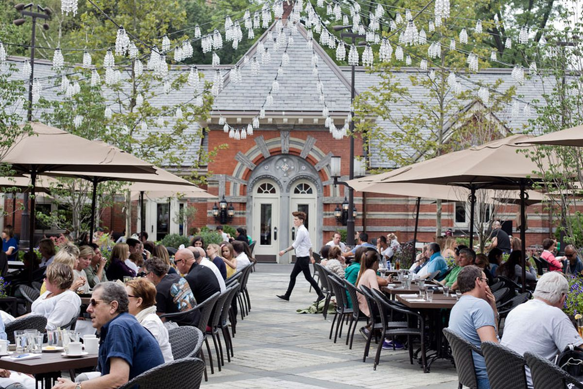 New York's Tavern On The Green Is A Bad Restaurant