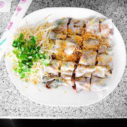 Bánh cuốn thịt nướng, steamed rice paper with BBQ pork at Thien Thanh