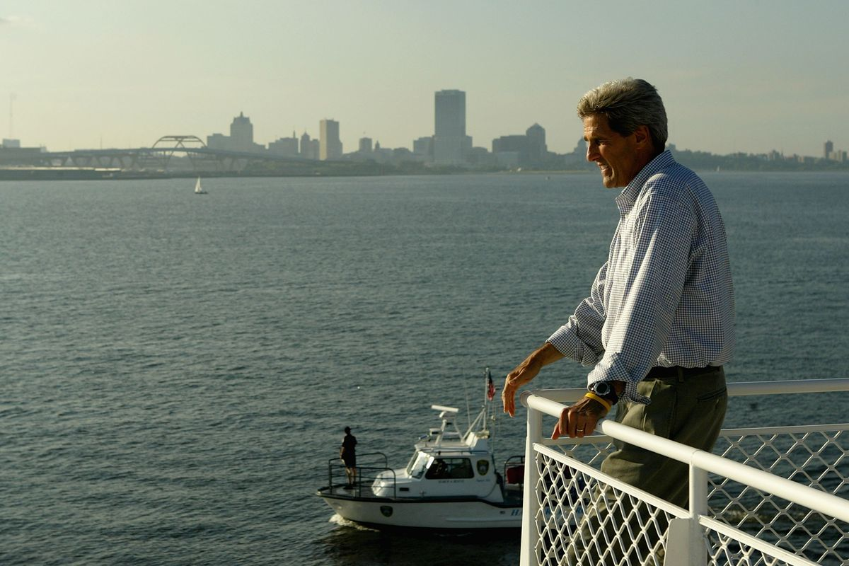 Kerry Campaigns In Michigan