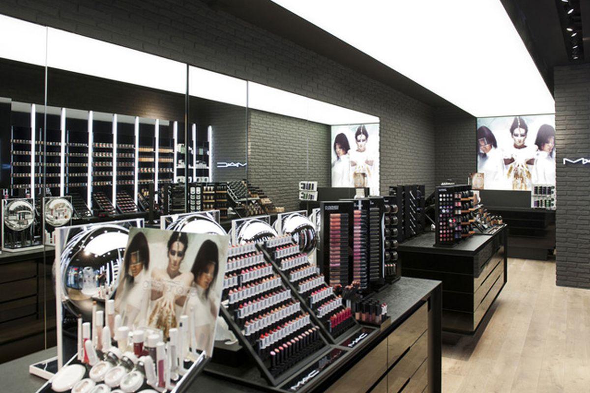 "Inside a M.A.C. store, via <a href=""http://retaildesignblog.net/2012/04/07/mac-cosmetics-store-by-pinkeye-liege/"">Retail Design Blog</a>"