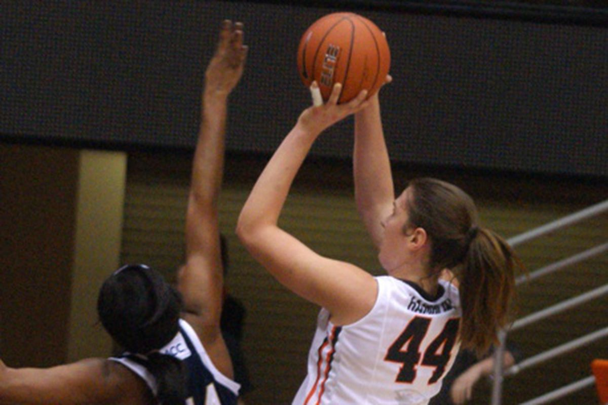 Oregon St.'s  Ruth Hamblin was a mismatch for Notre Dame, but the second ranked Irish still overcame the Beavers.