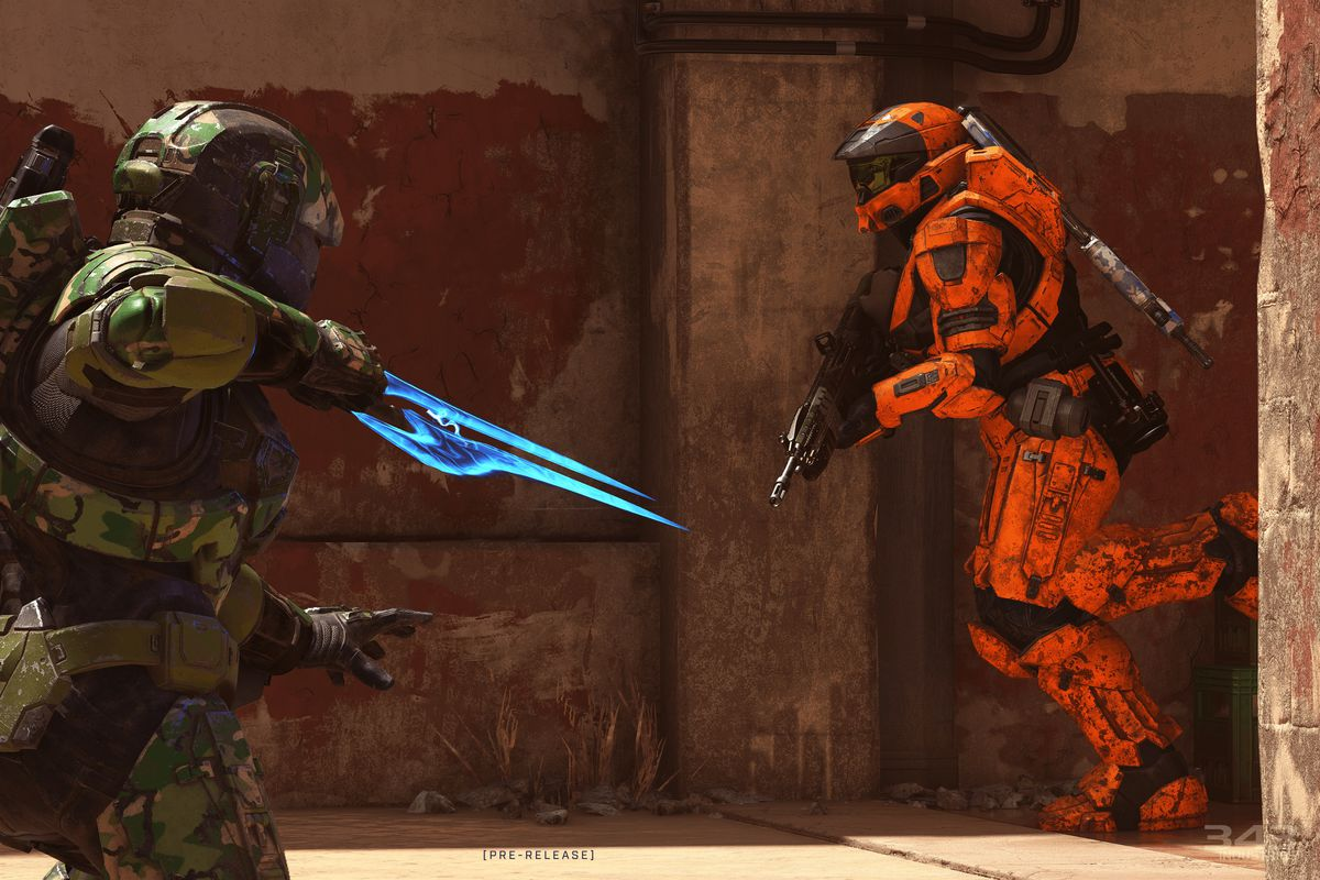 Two Spartans face off in Halo Infinite multiplayer