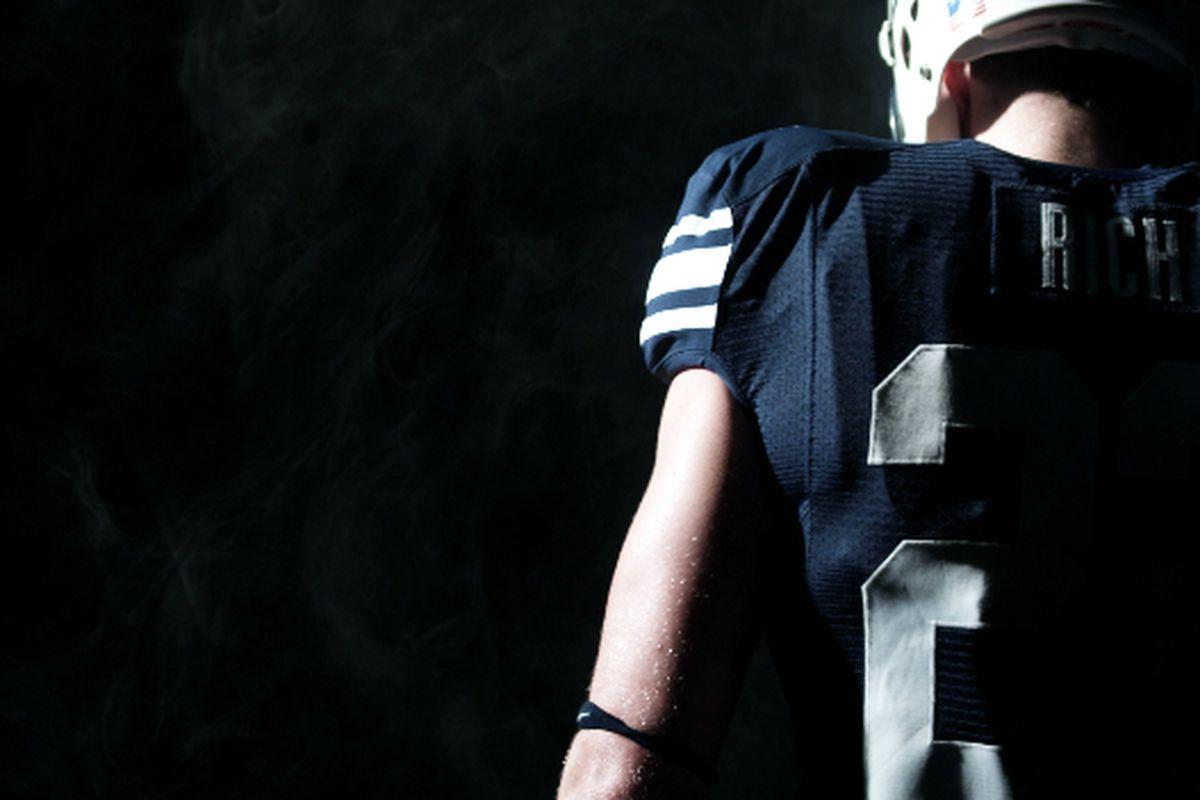"""via <a href=""""http://www.byucougars.com/kids_club/video/BYU2009.jpg"""">www.byucougars.com</a>"""