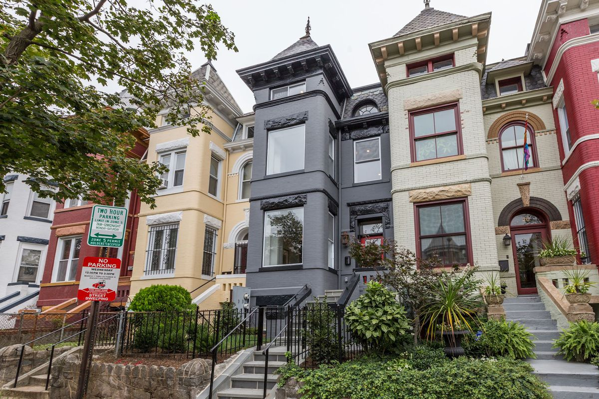 1 49m Bloomingdale Rowhouse Returns Renovated From Top
