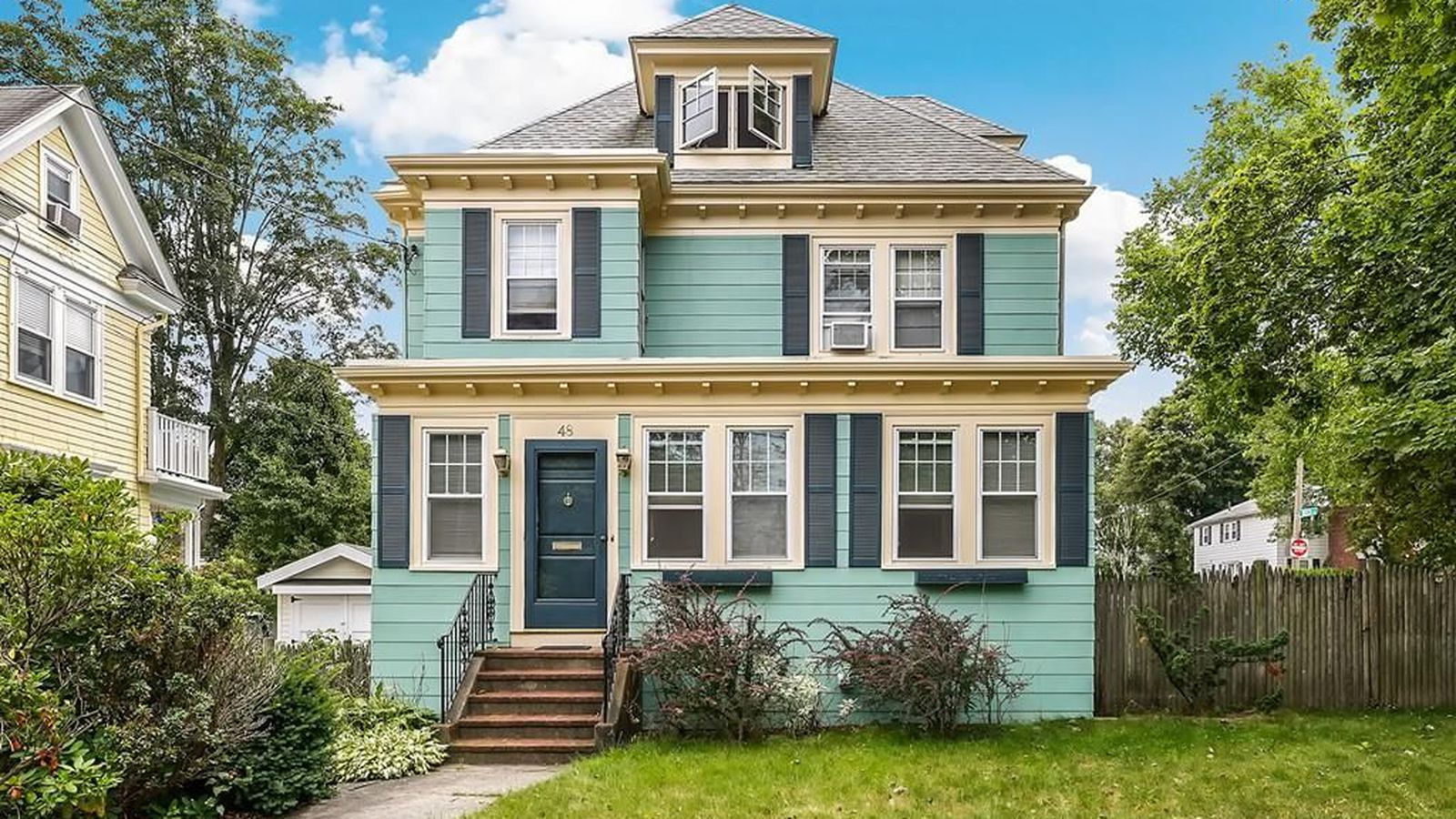 Colonial On The West Roxbury Roslindale Border Includes