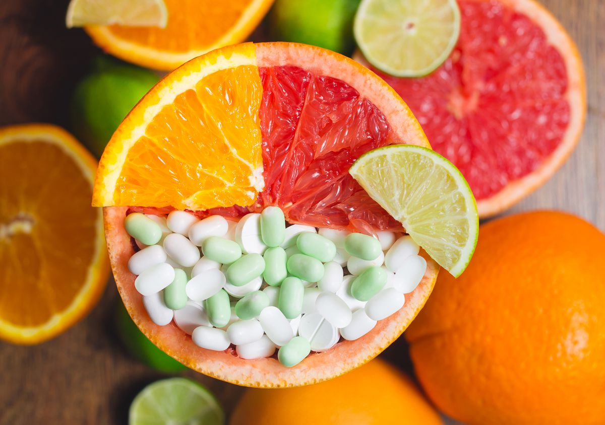 Clinical trials document that adequate intakes of vitamin C (up to 1 g) and zinc (up to 30 mg) improve symptoms and shorten the duration of the common cold.