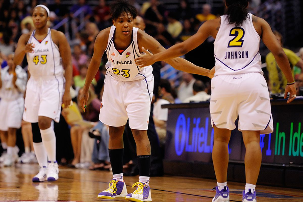 The Phoenix Mercury used a team effort to get by the Connecticut Sun. August 29, 2009. Photo by Max Simbron