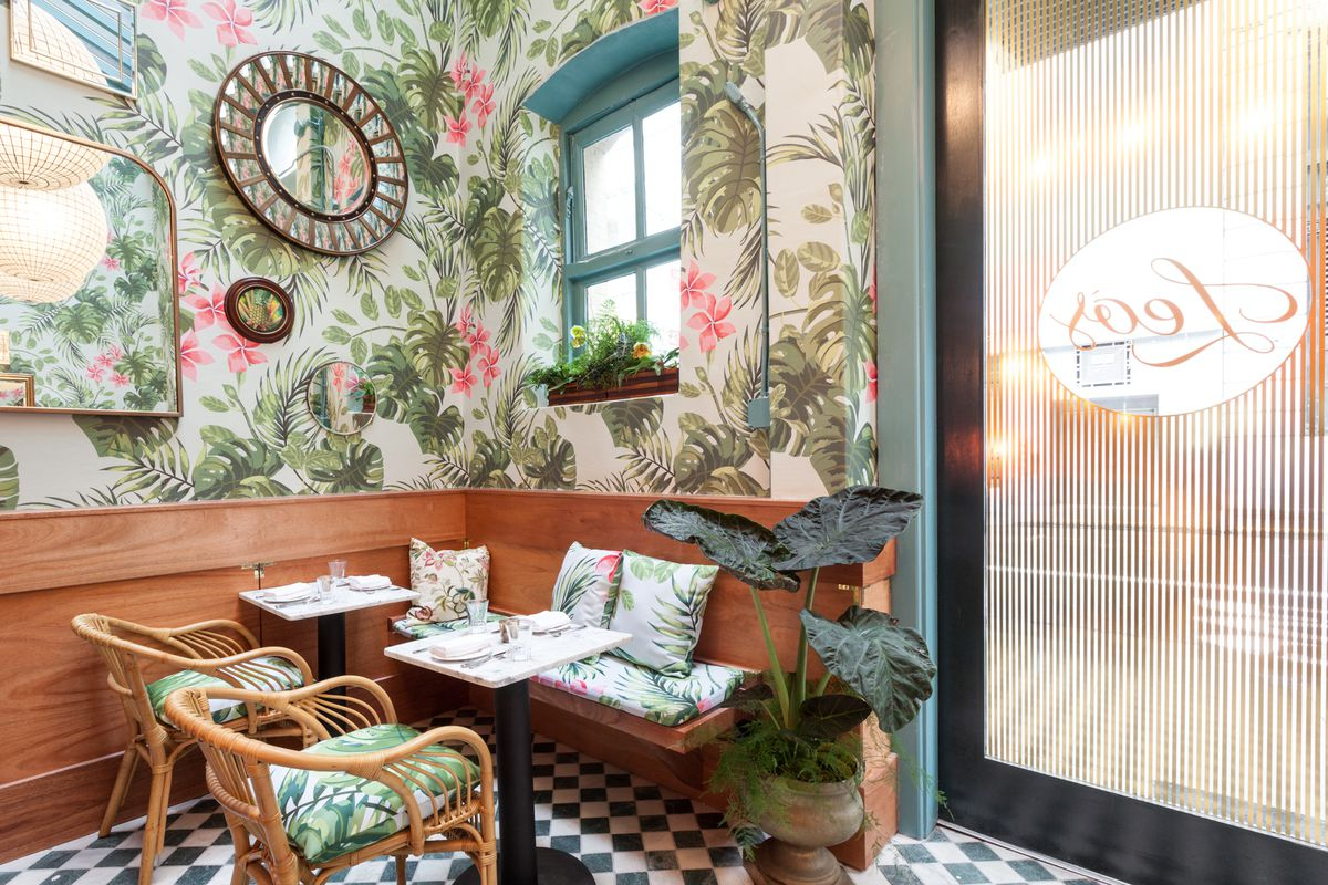 Restaurant Trend Modern Tropical Wallpaper Patterns Are Everywhere