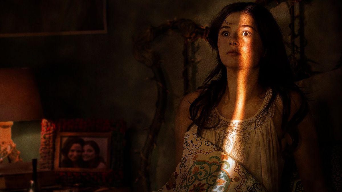 Stefanie Scott stars in Insidious: Chapter 3.