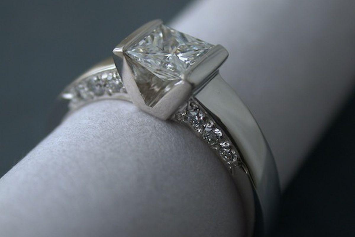 "Image credit: <a href=""http://www.jen-green.com"">Jen Green Custom Jewelry</a>"