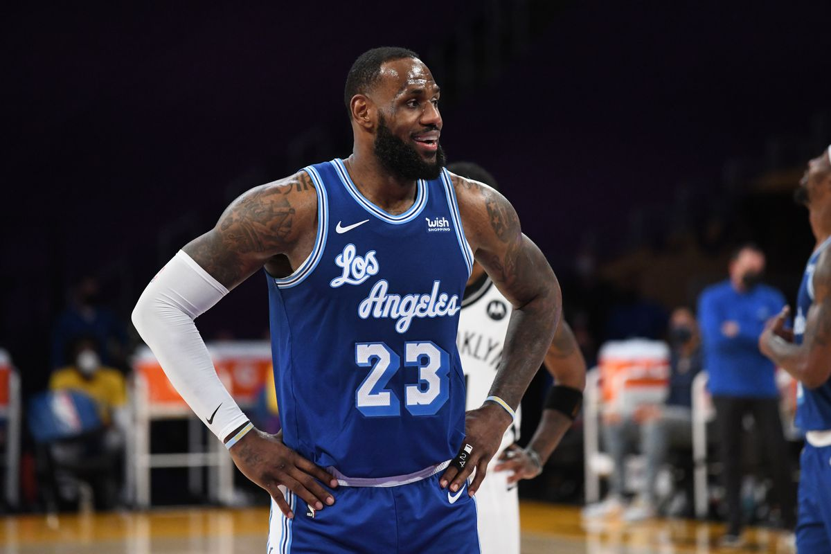 LeBron James of the Los Angeles Lakers looks on during the game against the Brooklyn Nets on February 18, 2021 at STAPLES Center in Los Angeles, California.