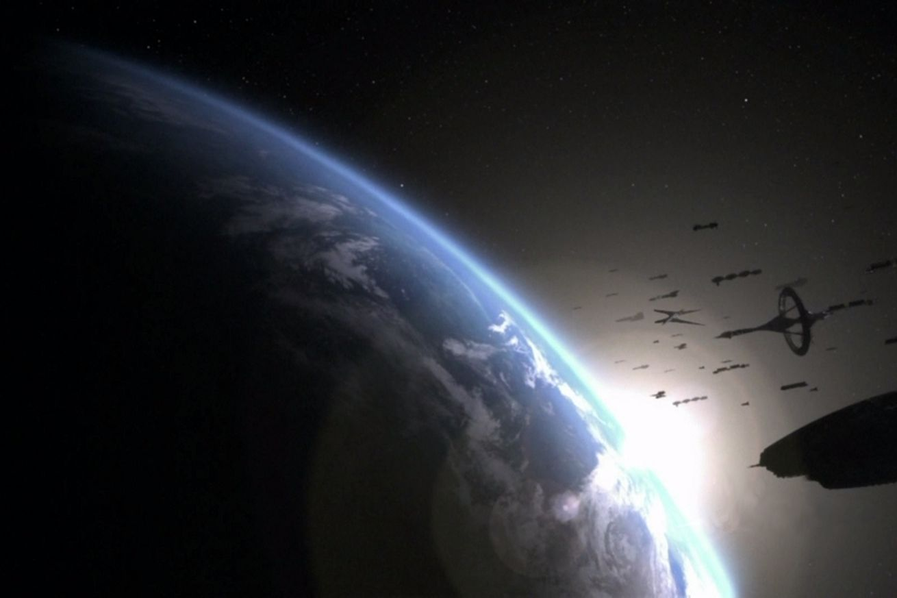 apple orders tv series from battlestar galactica creator