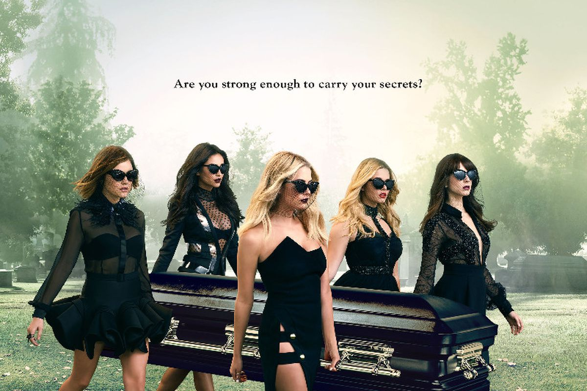 Pretty Little Liars Knows What It S Like To Be A Teen Girl Better