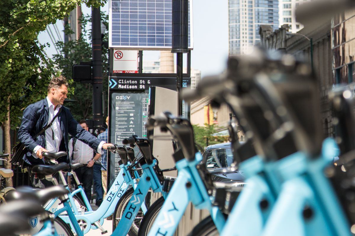 A Divvy bikesharing station in downtown Chicago
