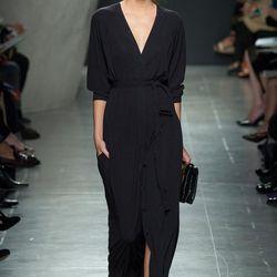 "Bottega Veneta (photo: <a href=""http://www.style.com/slideshows/fashion-shows/spring-2015-ready-to-wear/bottega-veneta/collection/27"">Style.com</a>)"