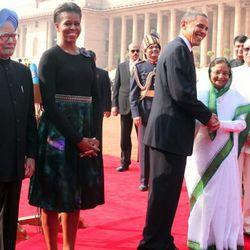 In a <b>Dries Van Noten</b> skirt while meeting President Pratibha Patil in New Delhi, India on November 8, 2010