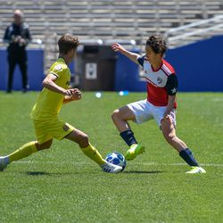 Joel Bustamate (8) cutting across during the opening match of the 40th Annual Dallas Cup.