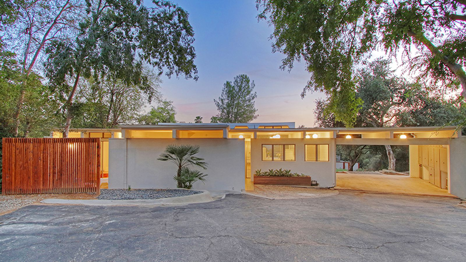Mid Century Modern With Artist 39 S Studio Flipping For 1 1