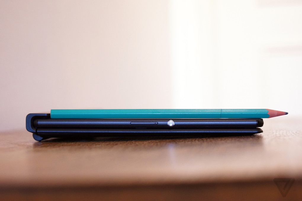 Up close with the Xperia Z4 Tablet
