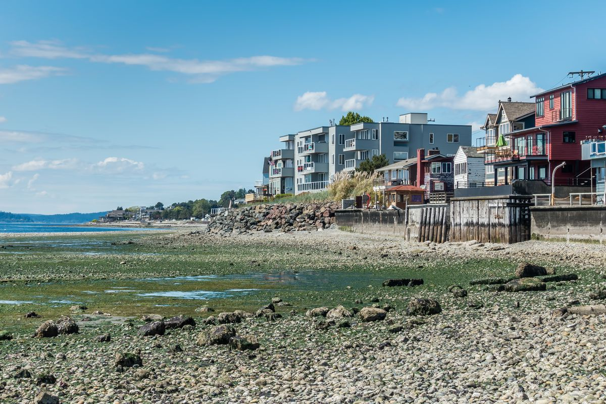 How much more does a waterfront home cost in the Seattle