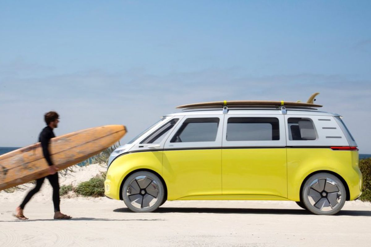 Volkswagen Is Making An Electric Autonomous Version Of Its Classic Minibus Curbed