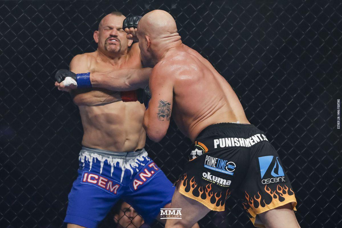 061_Chuck_Liddell_vs_Tito_Ortiz.0.jpg