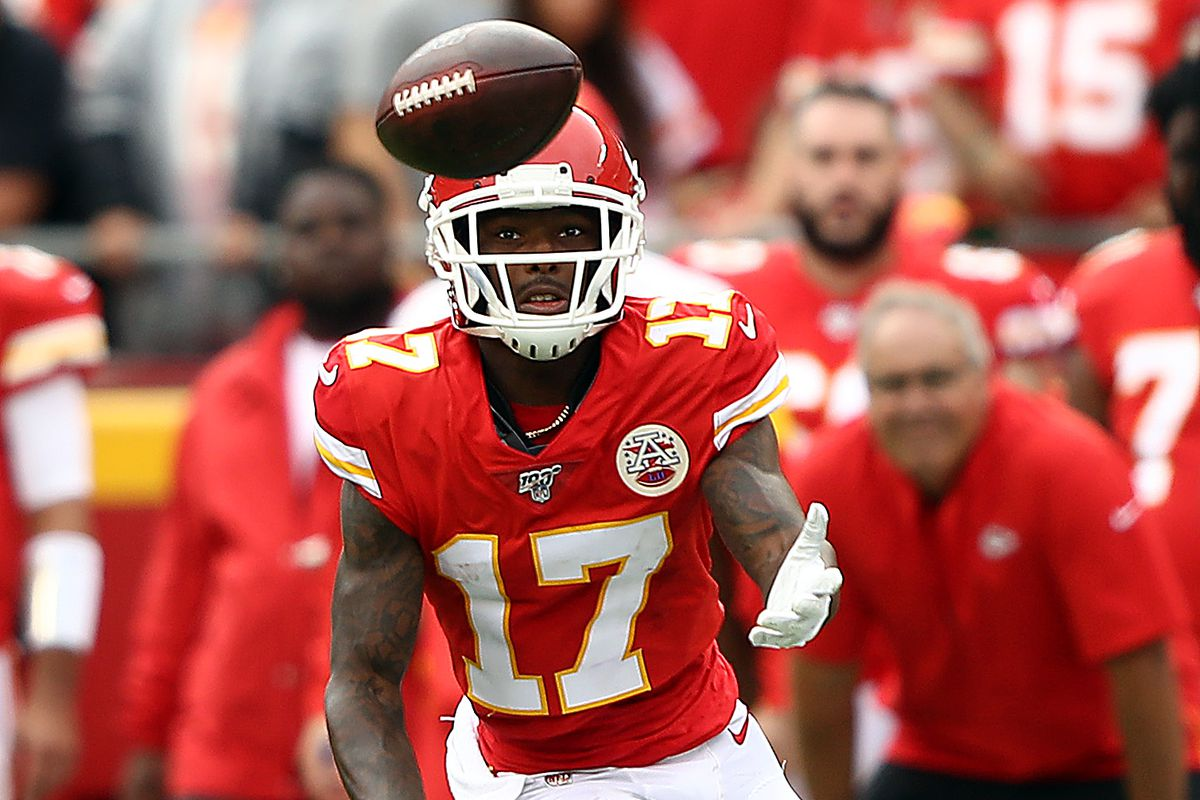 Wide receiver Mecole Hardman of the Kansas City Chiefs makes a catch during the game against the Baltimore Ravens at Arrowhead Stadium on September 22, 2019 in Kansas City, Missouri.