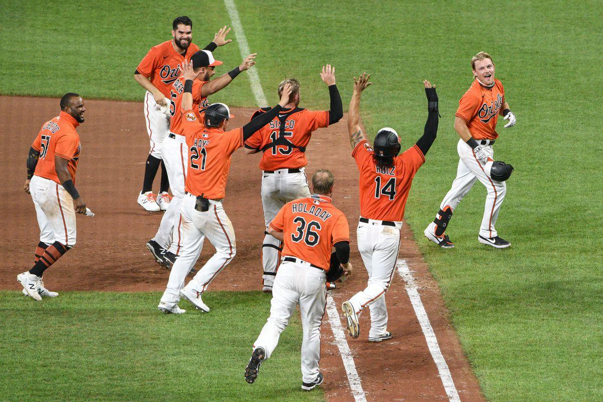Orioles top Rays, 5-4, on Pat Valaikas walk-off single in 11th inning