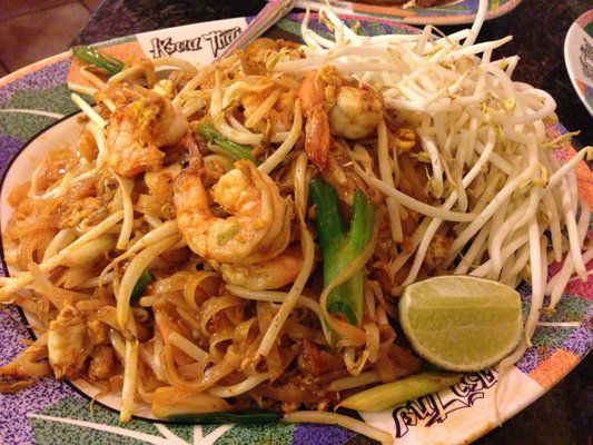 Easily One Of The Best Pad Thai Spots In Town This Late Night Joint All Way Up Northern Part North Hollywood Serves Until 3 30 A M Every
