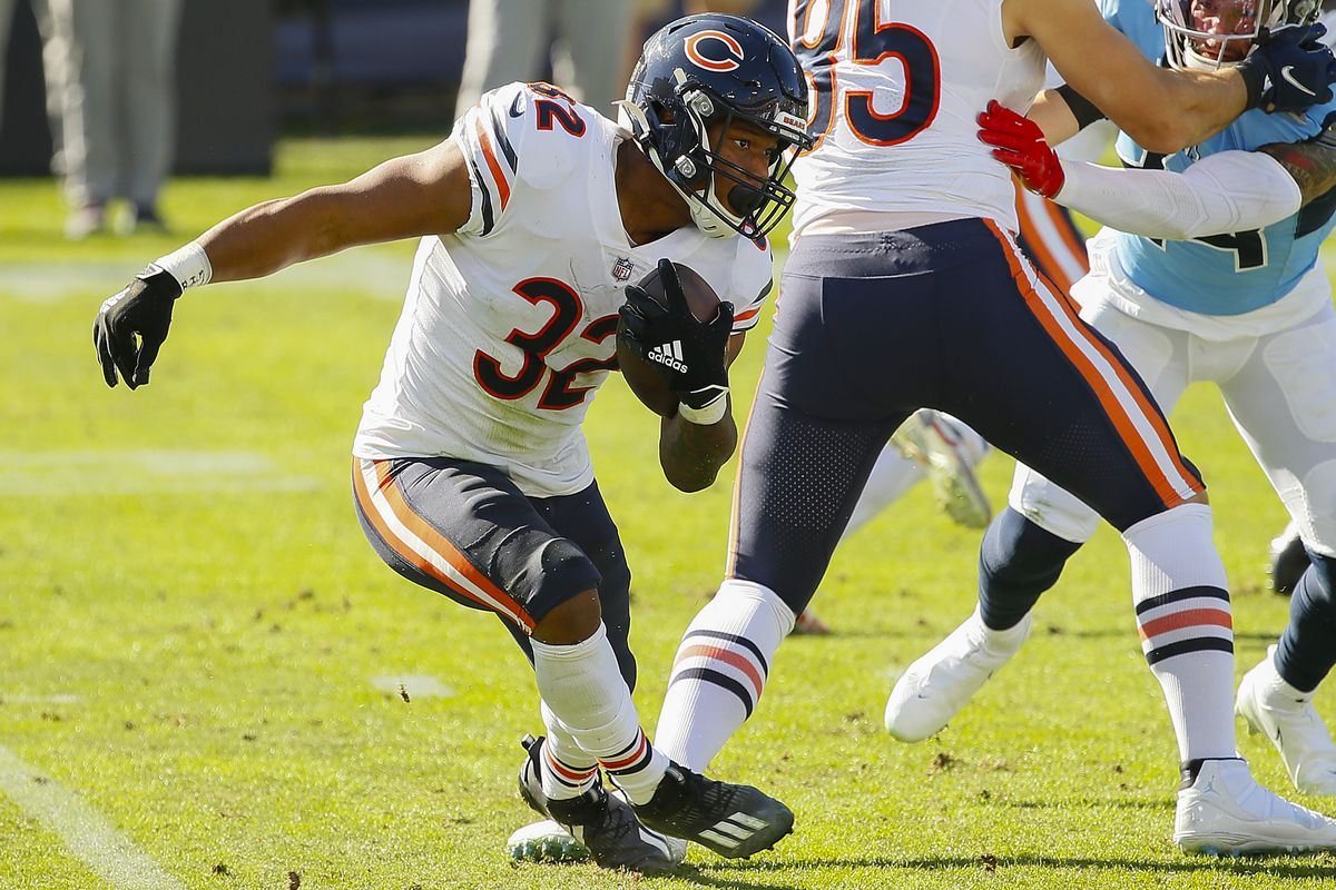 David Montgomery #32 of the Chicago Bears plays against the Tennessee Titans at Nissan Stadium on November 08, 2020 in Nashville, Tennessee.