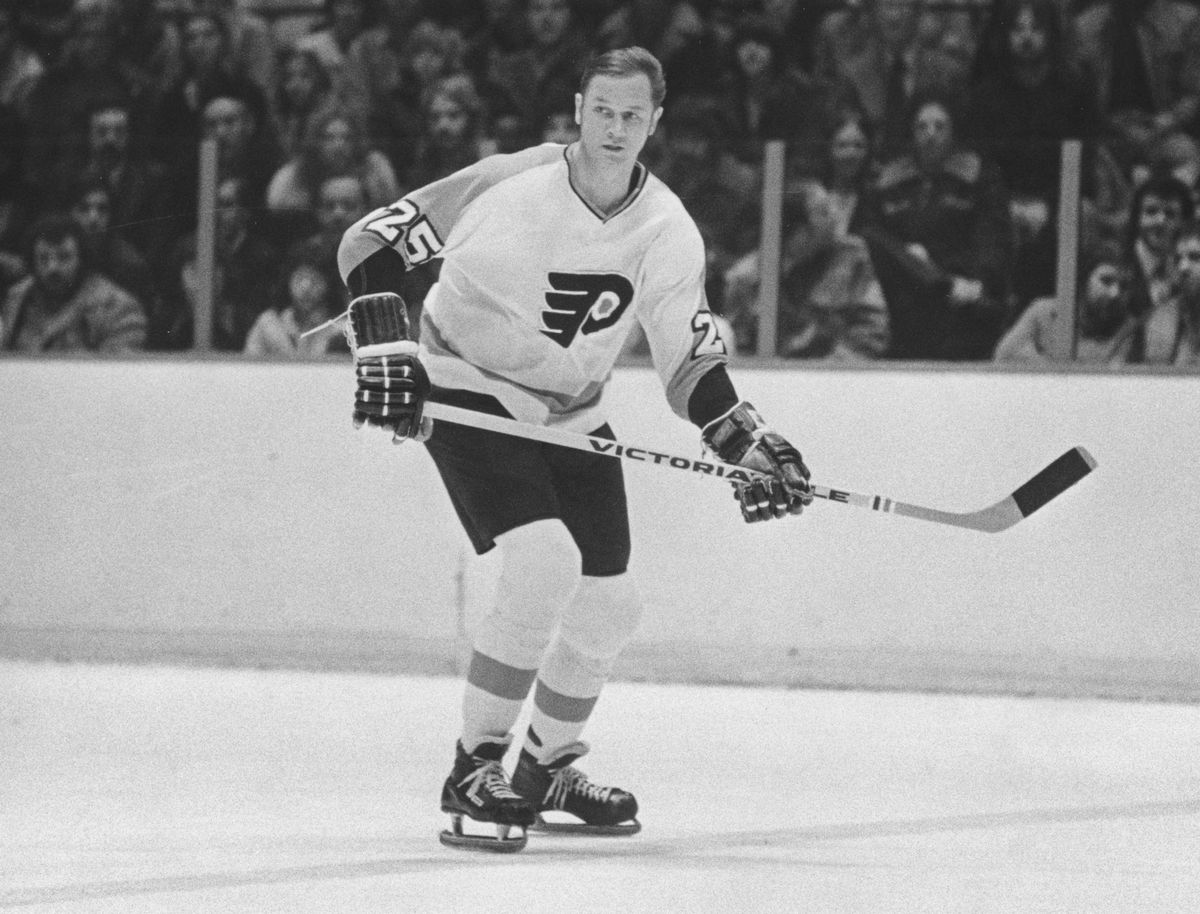 Player Ted Harris of the Philadelphia Flyers...