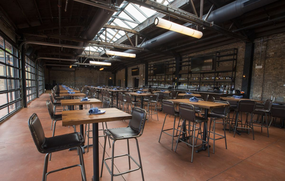 Inside City Hall Fulton Market S Restaurant Ode To