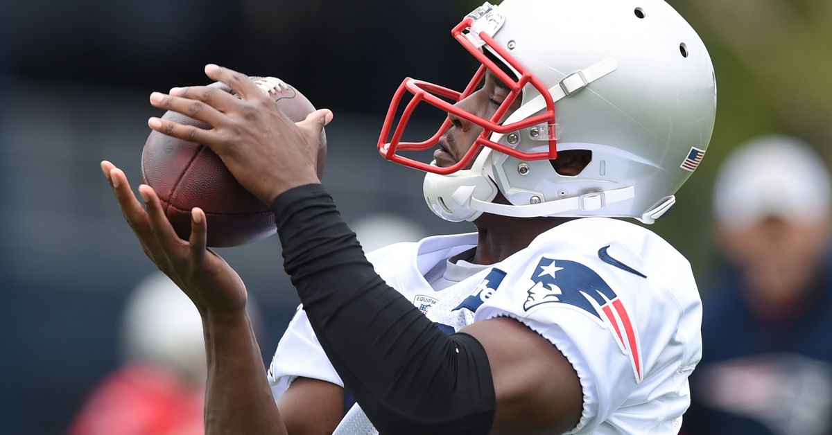 6 thoughts on the Patriots' first open OTA practice