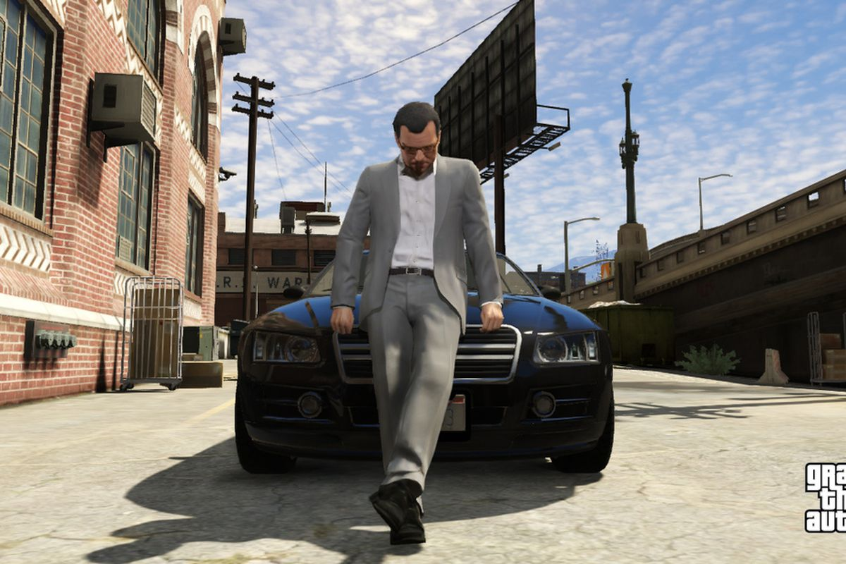 Grand Theft Auto 5 - Michael leaning on the hood of a car
