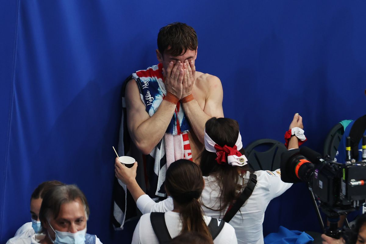 Tom Daley of Team Great Britain celebrates after winning gold in the sen's synchronized 10-meter platform.