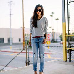 "Jenny of <a href=""http://www.neonblush.com""target=""_blank"">Neon Blush</a> is wearing a <a href=""http://www.barneys.com/Rag-Bone-Diem-Pullover/502709144,default,pd.html?cgid=womens-sweaters&index=8&utm_source=QFGLnEolOWg&utm_medium=affiliate&siteID=QFGLnEo"