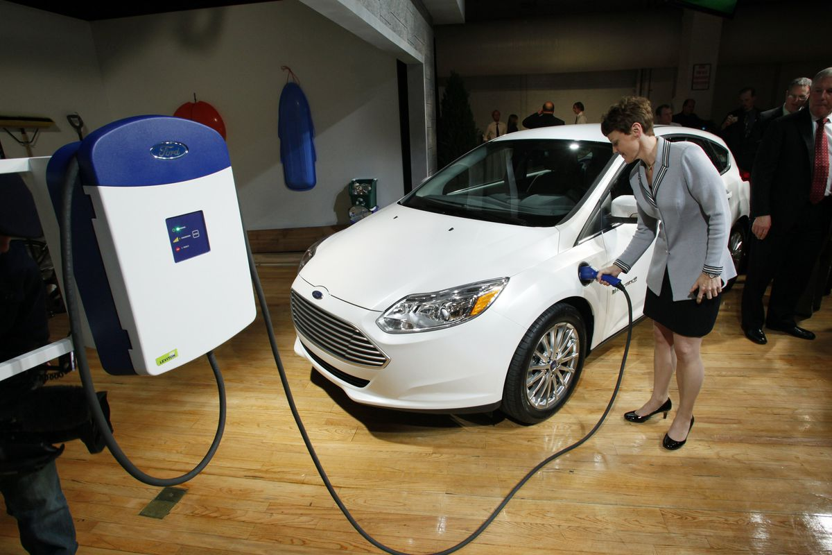 Ford Invests 4 5 Billion In Electric Car Program The Verge