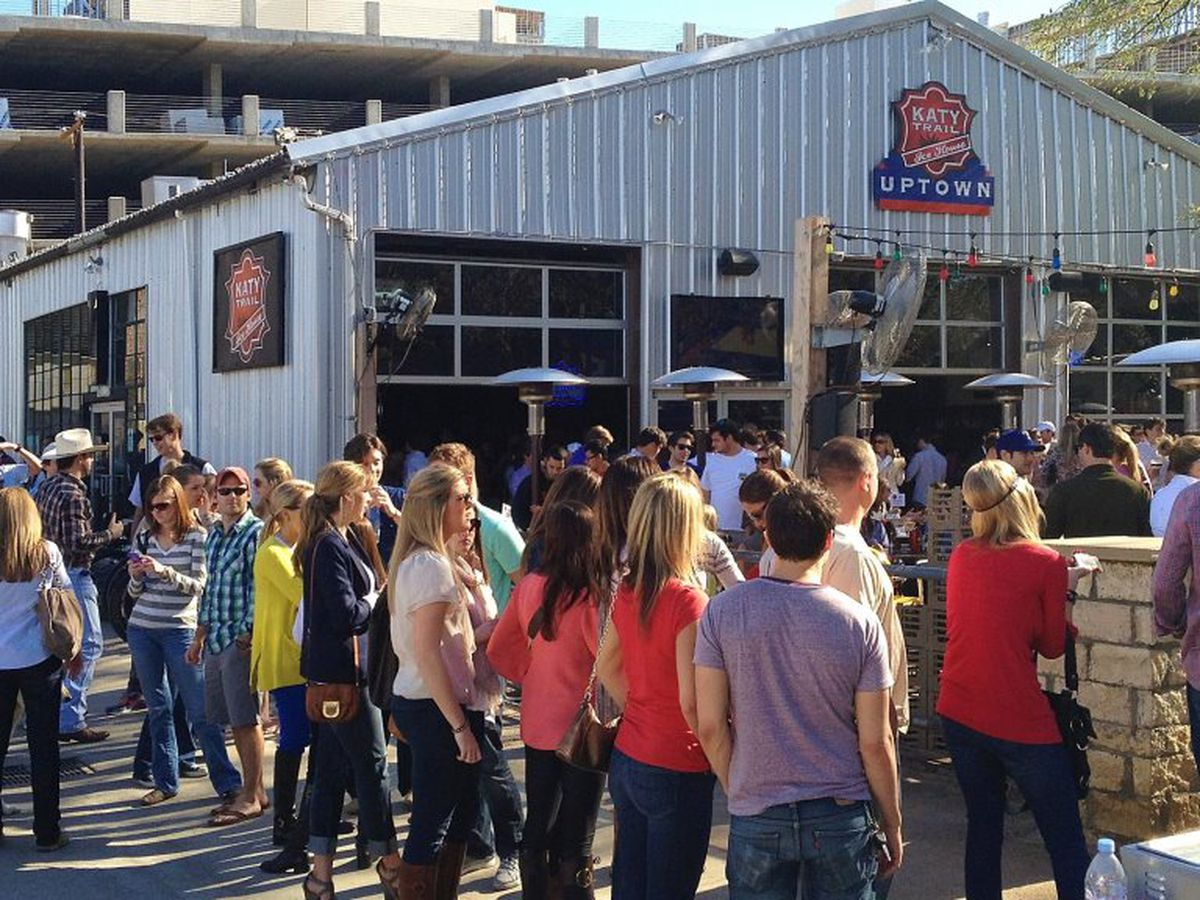 Indoors or out, Katy Trail Ice House is an excellent Super Bowl spot.