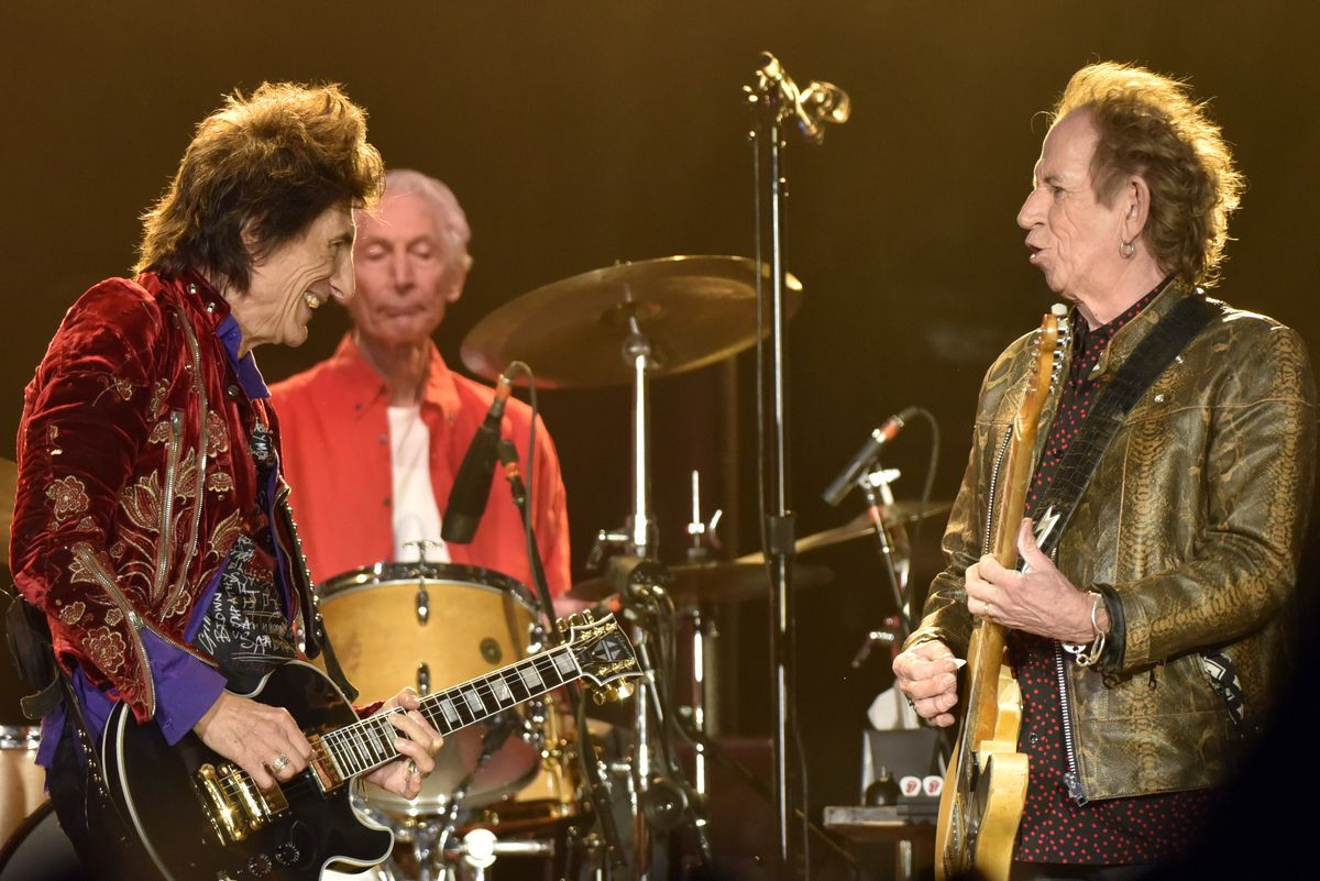 Rolling Stones at Soldier Field review: Mick Jagger in top